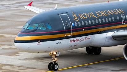 JY-AYL - Royal Jordanian Airbus A319