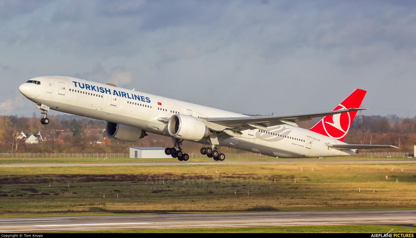 Turkish Airlines TC-JJO aircraft at Düsseldorf