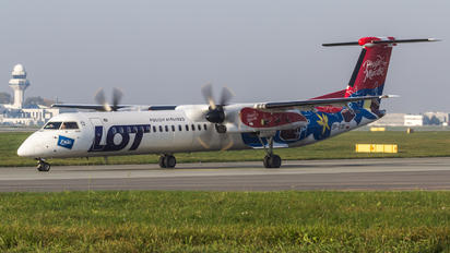 SP-EQF - LOT - Polish Airlines de Havilland Canada DHC-8-400Q / Bombardier Q400