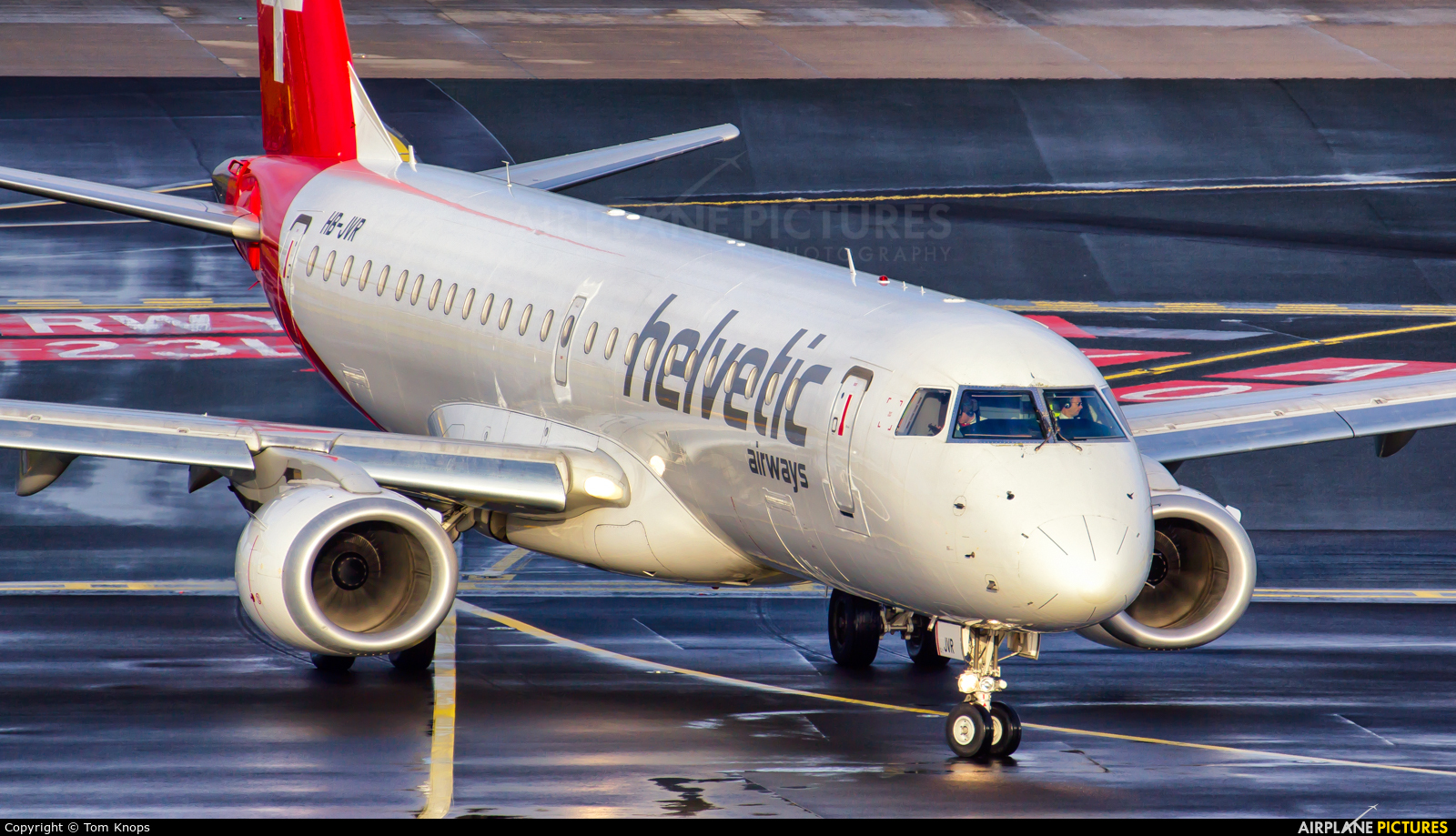 Helvetic Airways HB-JVR aircraft at Düsseldorf
