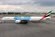 Emirates promotes EXPO 2020 on another Boeing 777-300ER title=