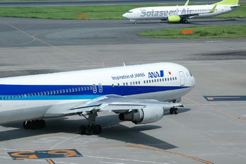 JA8568 - ANA - All Nippon Airways Boeing 767-300