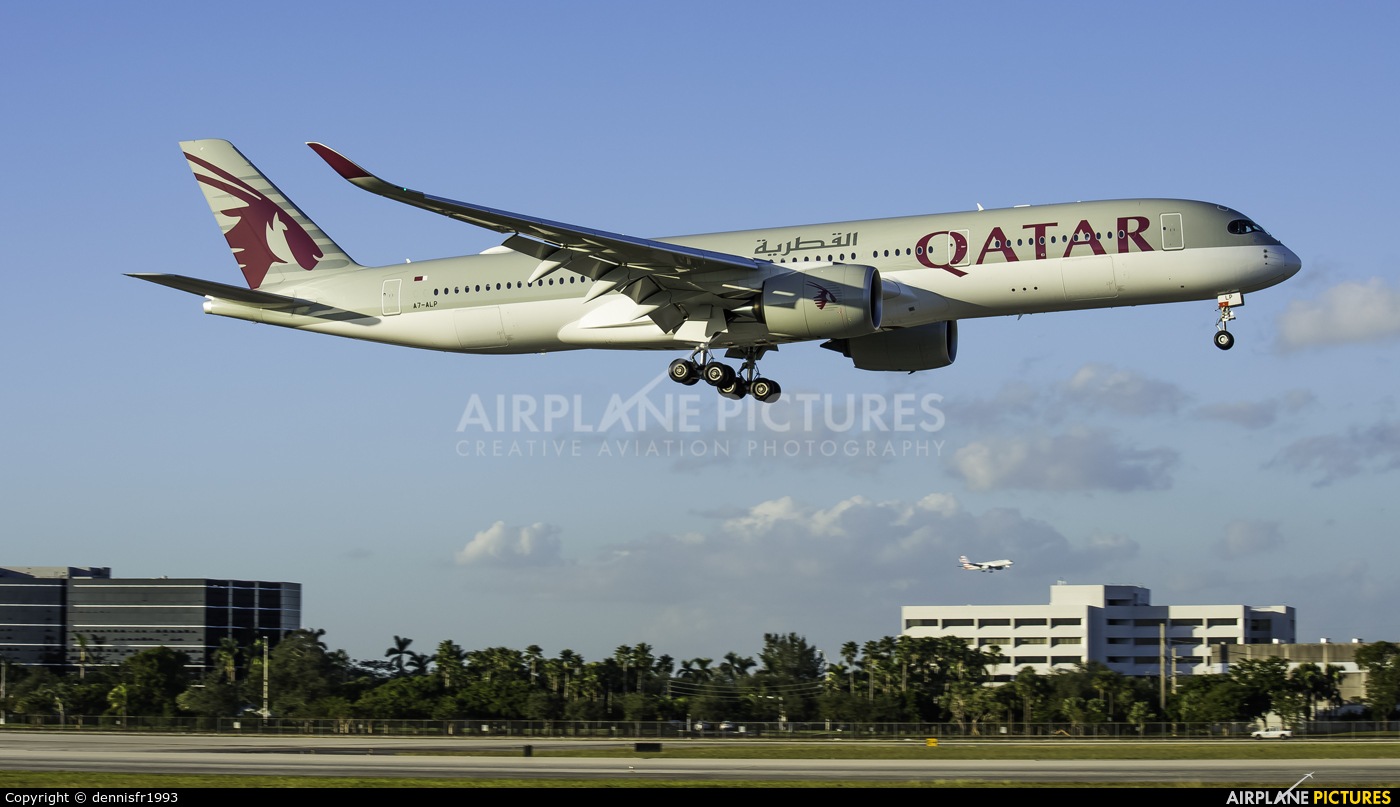 Qatar Airways A7-ALP aircraft at Miami Intl