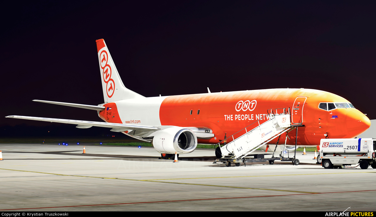 TNT OE-IAE aircraft at Warsaw - Frederic Chopin