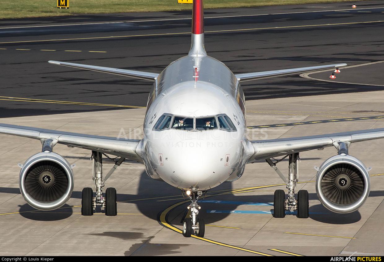 Swiss HB-IPT aircraft at Düsseldorf