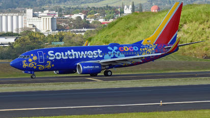N7816B - Southeast Airlines (USA) Boeing 737-700