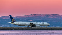 N775UA - United Airlines Boeing 777-200ER aircraft