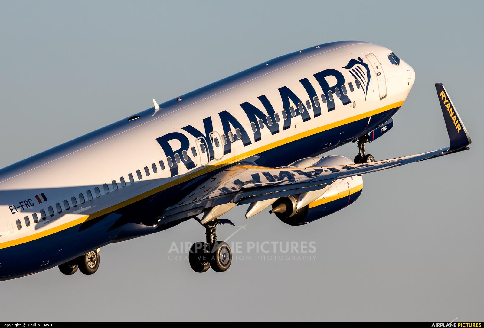 Ryanair EI-FRC aircraft at Palma de Mallorca