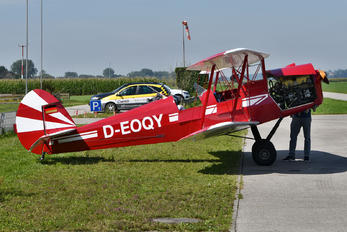 D-EOQY - Private Stampe SV4