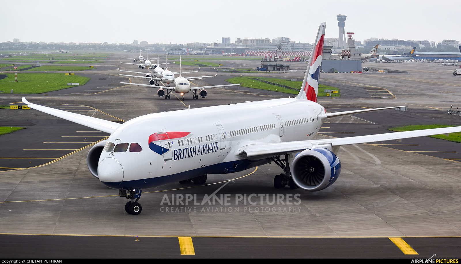 British Airways G-ZBKM aircraft at Mumbai - Chhatrapati Shivaji Intl