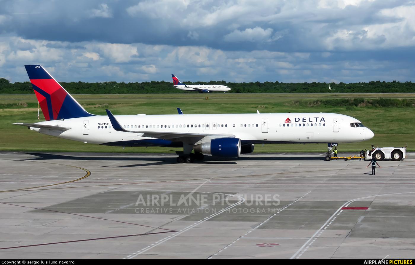 Delta Air Lines N6715C aircraft at Santo Domingo - Aeropuerto de las Americas
