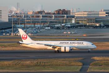 JA834J - JAL - Japan Airlines Boeing 787-8 Dreamliner