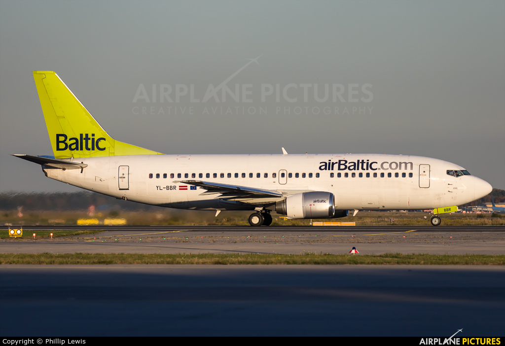 Air Baltic YL-BBR aircraft at Frankfurt