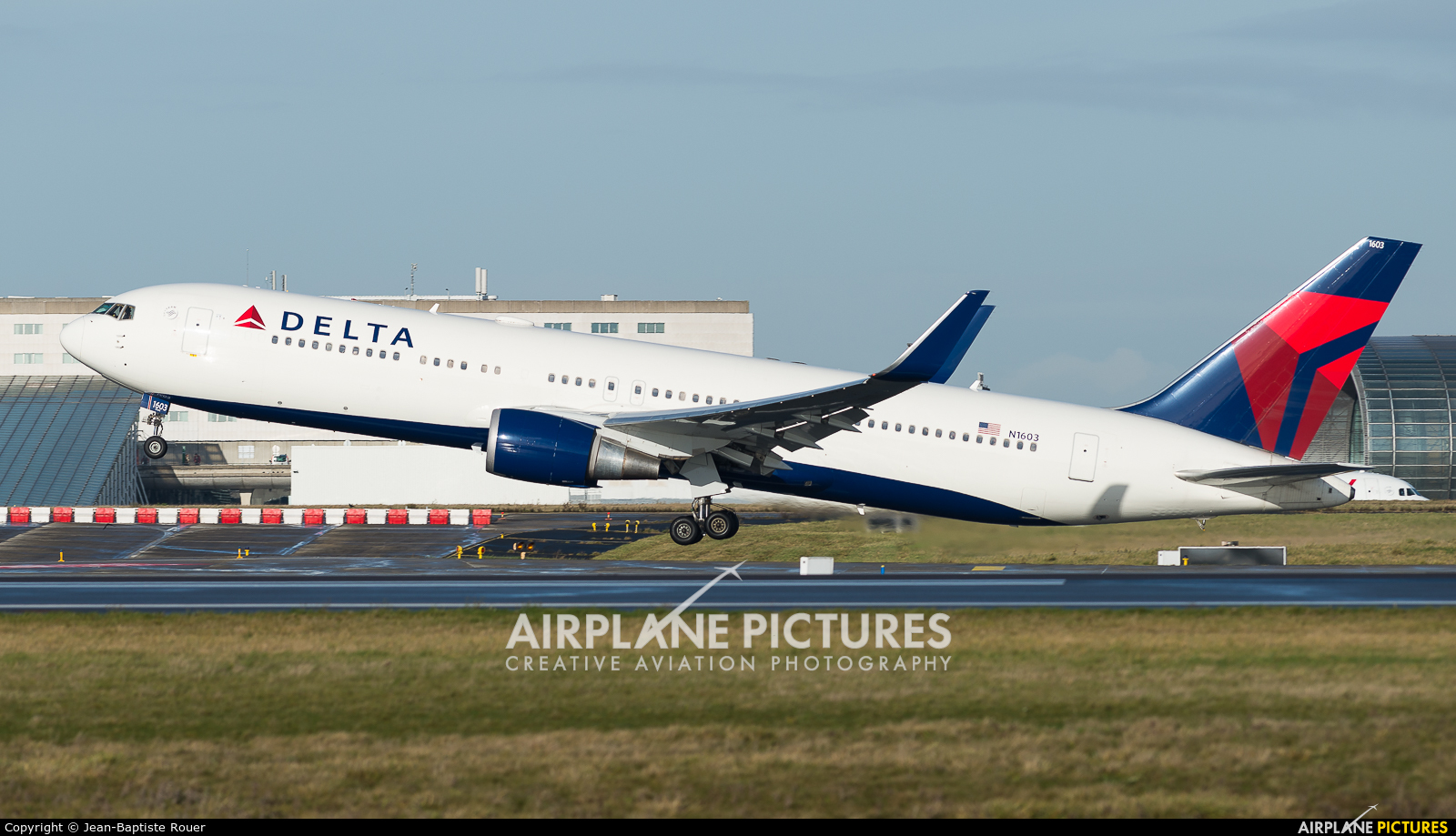 Delta Air Lines N1603 aircraft at Paris - Charles de Gaulle