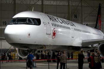 C-GJWO - Air Canada Airbus A321