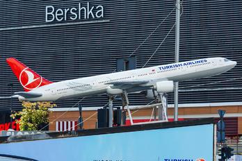 TC-JJA - Turkish Airlines Boeing 777-300ER