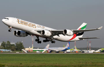 A6-ERI - Emirates Airlines Airbus A340-500