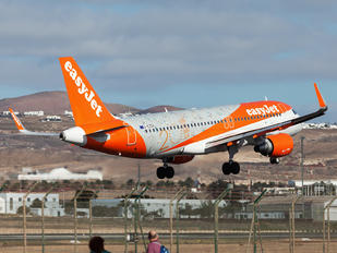 G-EZOX - easyJet Airbus A320