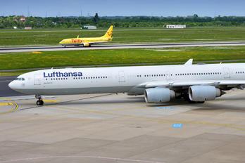 D-AIHP - Lufthansa Airbus A340-600