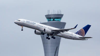 N597UA - United Airlines Boeing 757-200
