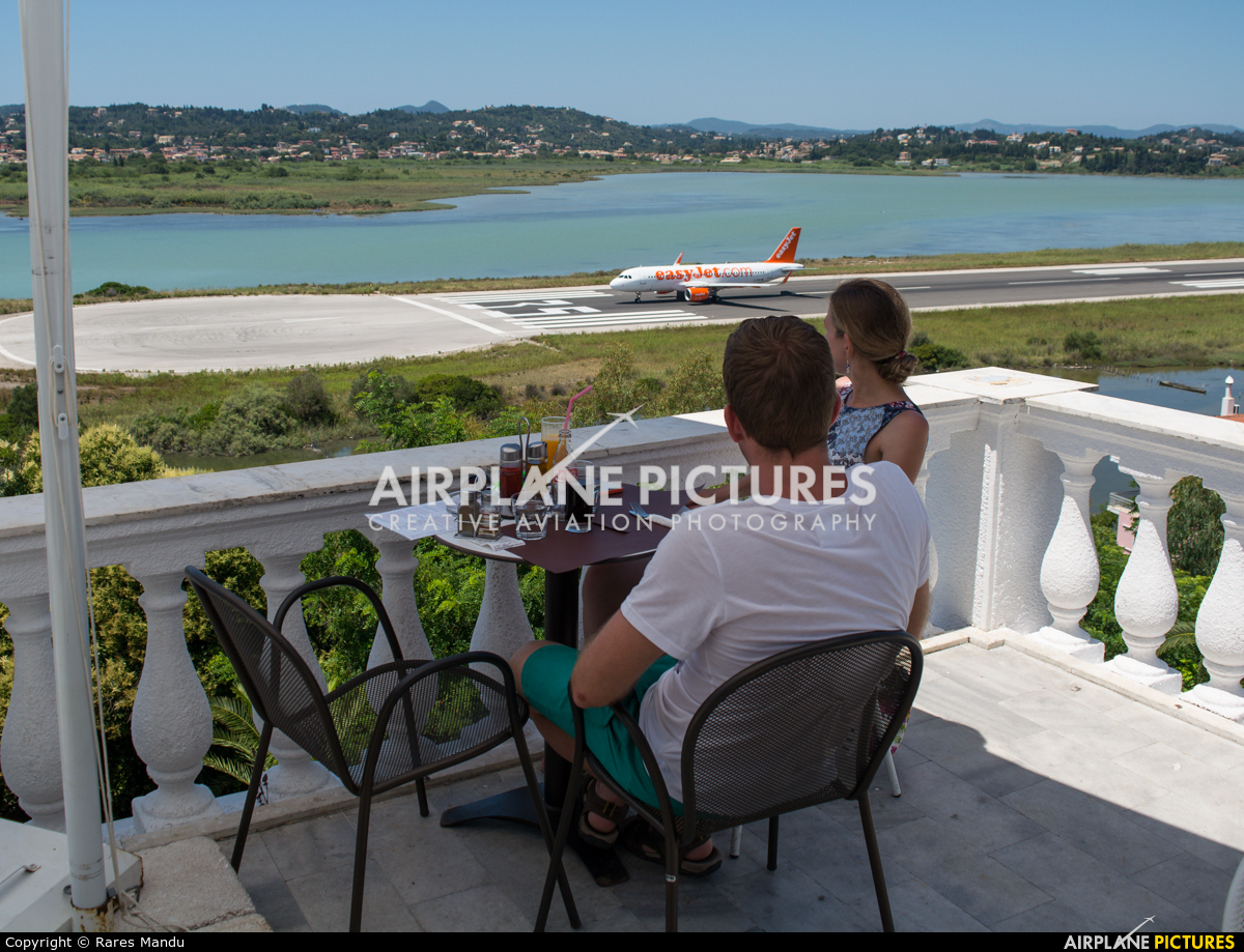 - Airport Overview - aircraft at Corfu - Ioannis Kapodistrias