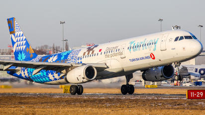 TC-JRG - Turkish Airlines Airbus A321