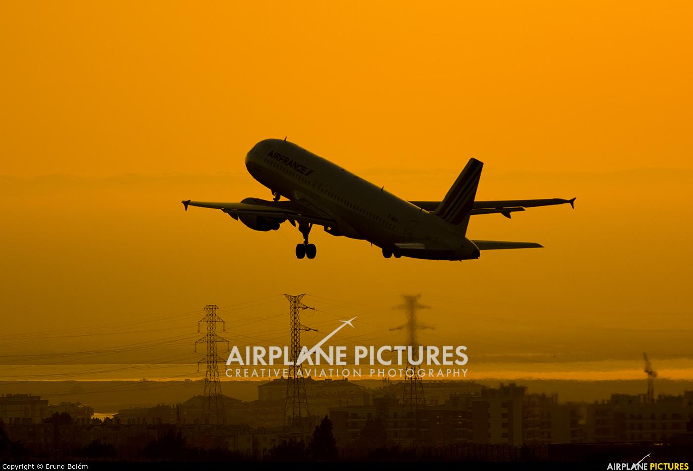 Air France F-HEPA aircraft at Lisbon