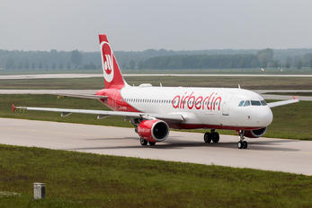 D-ABDO - Air Berlin Airbus A320