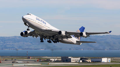 N121UA - United Airlines Boeing 747-400