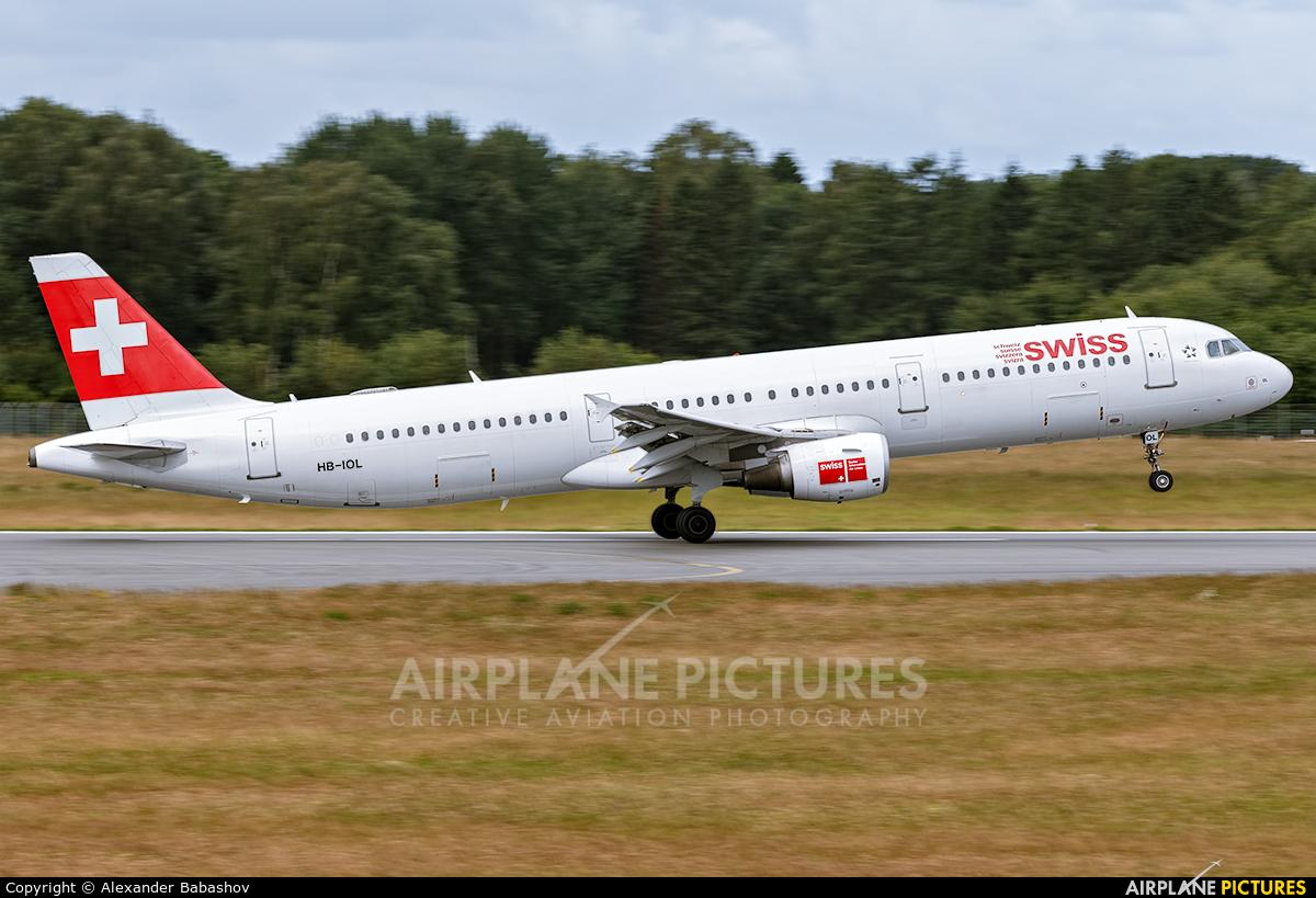 Swiss Airbus A321 HB-IOL