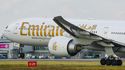 A6-EBP - Emirates Airlines Boeing 777-300ER