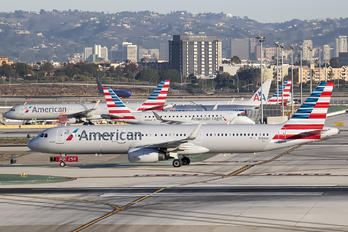 N124AA - American Airlines Airbus A321