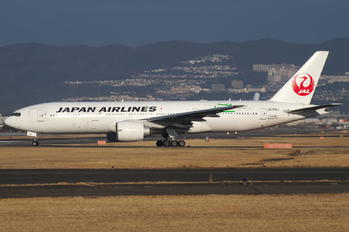 JA705J - JAL - Japan Airlines Boeing 777-200ER