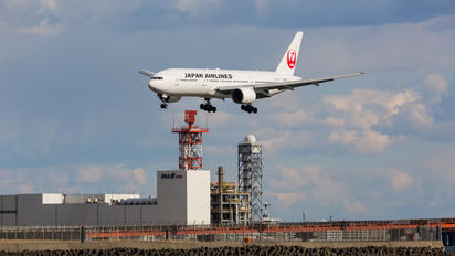 JA009D - JAL - Japan Airlines Boeing 777-200