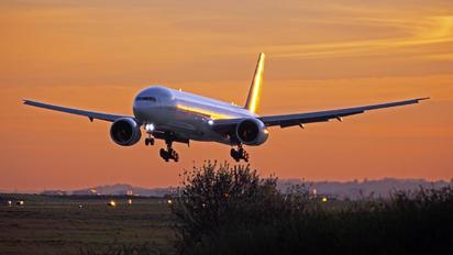 HS-TKG - Thai Airways Boeing 777-300ER
