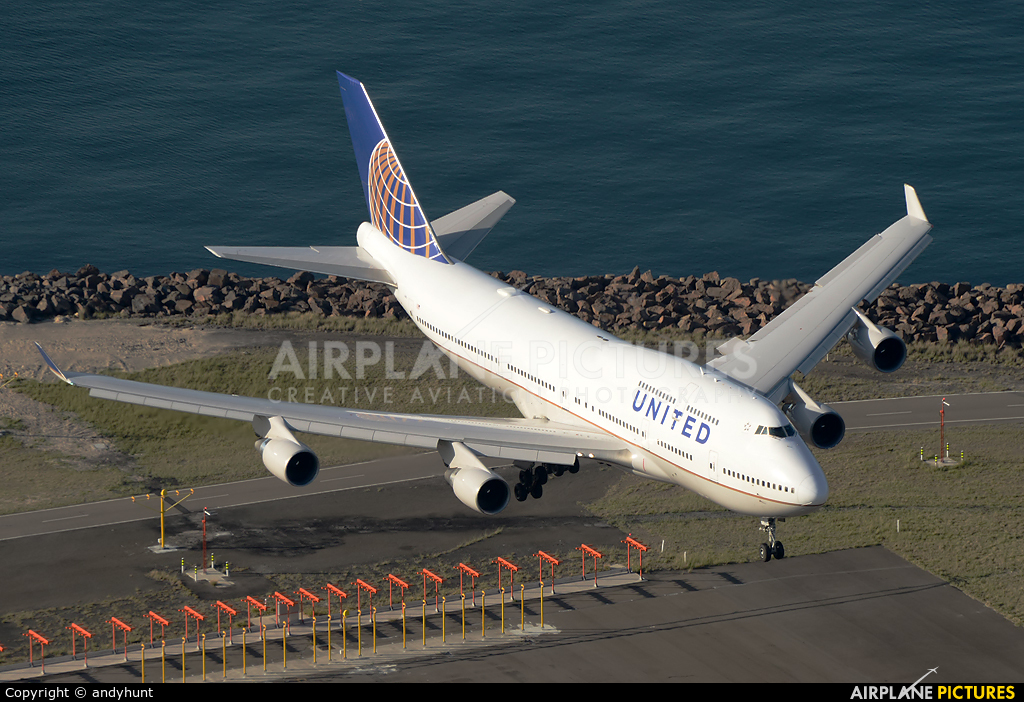 United Airlines N182UA aircraft at Sydney - Kingsford Smith Intl, NSW