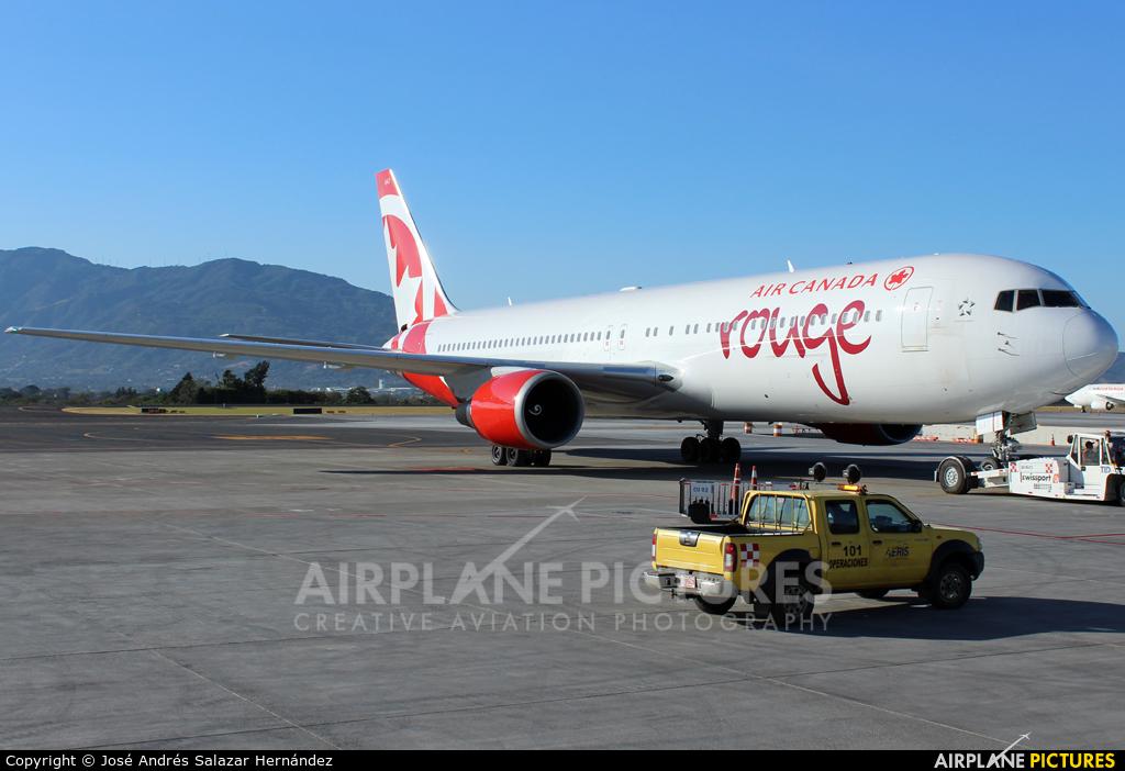 Air Canada C-GEOQ aircraft at San Jose - Juan Santamaría Intl