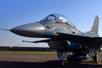 33-8122 - Japan - Air Self Defence Force Mitsubishi F-2 A/B