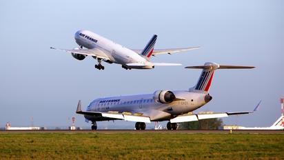 F-GRZK - Air France - Brit Air Canadair CL-600 CRJ-702