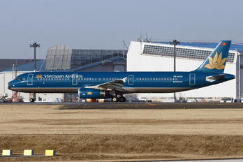 VN-A606 - Vietnam Airlines Airbus A321