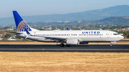 N33286 - United Airlines Boeing 737-800