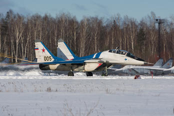 005 - Russia - Air Force Mikoyan-Gurevich MiG-29UB