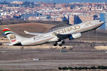 A6-EYJ - Etihad Airways Airbus A330-200