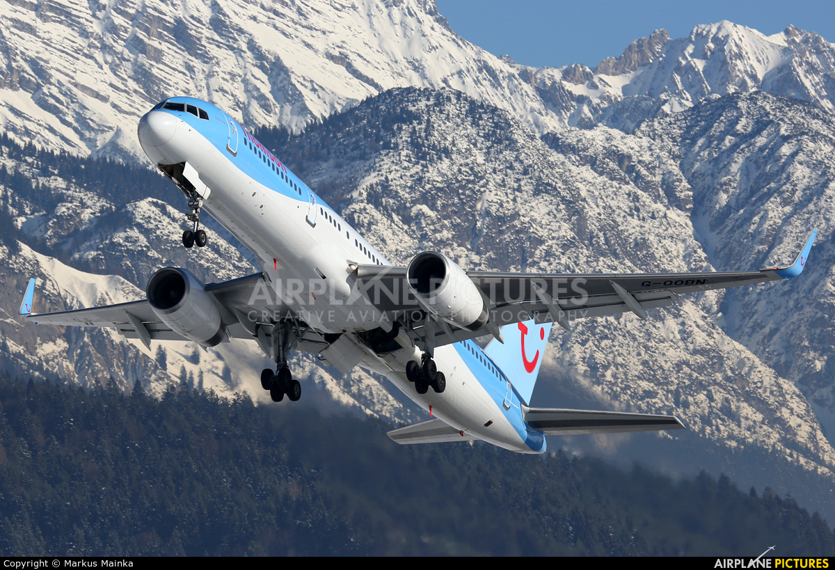 Thomson/Thomsonfly G-OOBN aircraft at Innsbruck