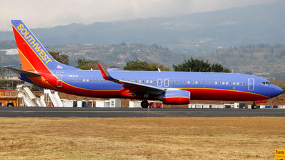 N8311Q - Southwest Airlines Boeing 737-800