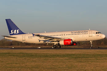 OY-KAU - SAS - Scandinavian Airlines Airbus A320
