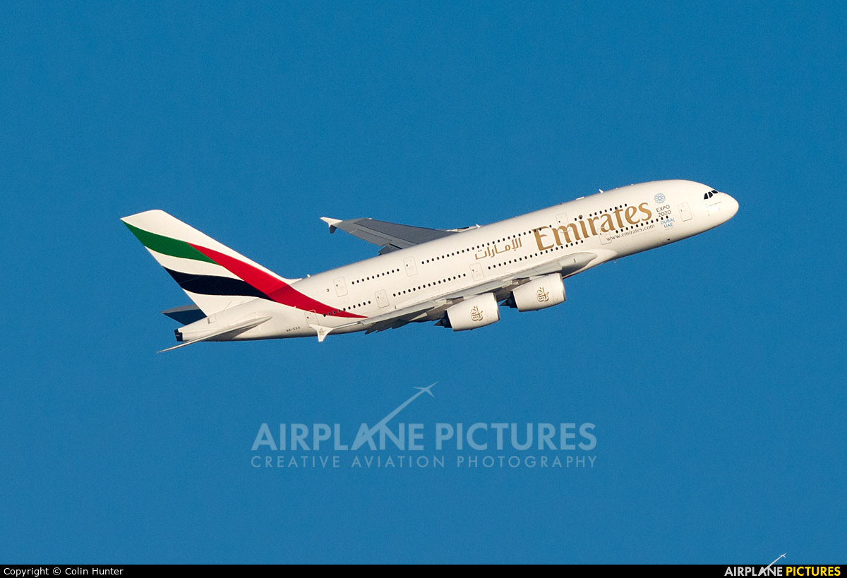 Emirates Airlines A6-EEG aircraft at Auckland Intl