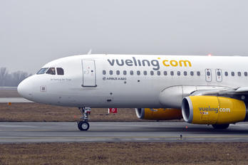 EC-MFN - Vueling Airlines Airbus A320