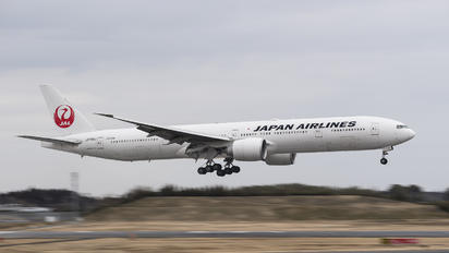 JA738J - JAL - Japan Airlines Boeing 777-300ER