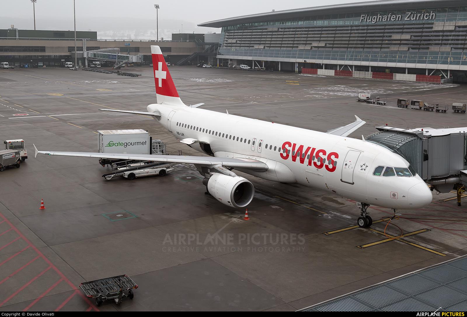 Swiss HB-IJH aircraft at Zurich